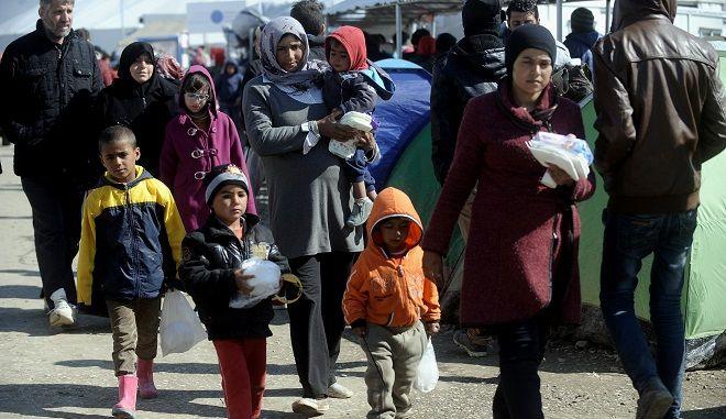 Πρόσφυγες στον καταυλισμό της Ειδομένης