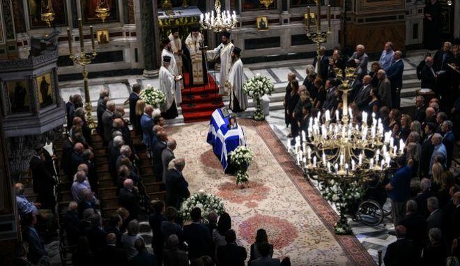 Κηδεία του πολιτικού και εκδότη Αντώνη Λιβάνη
