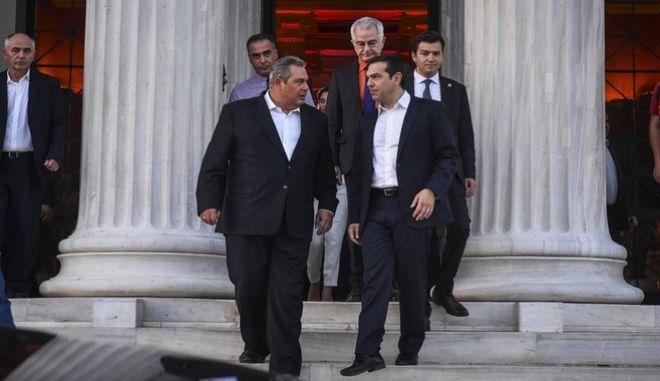 Ο πρωθυπουργός Αλέξης Τσίπρας και ο υπουργός Άμυνας Πάνος Καμμένος στο Ζάππειο