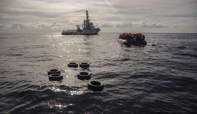 Πάνω από 300 μετανάστες που διασώθηκαν την Παρασκευή στη Μεσόγειο από την ισπανική μη κυβερνητική οργάνωση Proactiva Open Arms