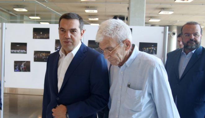 Ο Αλέξης Τσίπρας με τον Γιάννη Μπουτάρη.