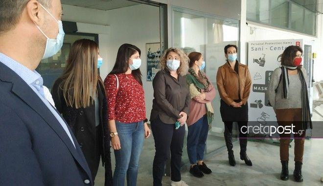 Κρήτη: Αναχώρησαν για τη Θεσσαλονίκη οι νοσηλεύτριες - Συγκινητικές στιγμές στο