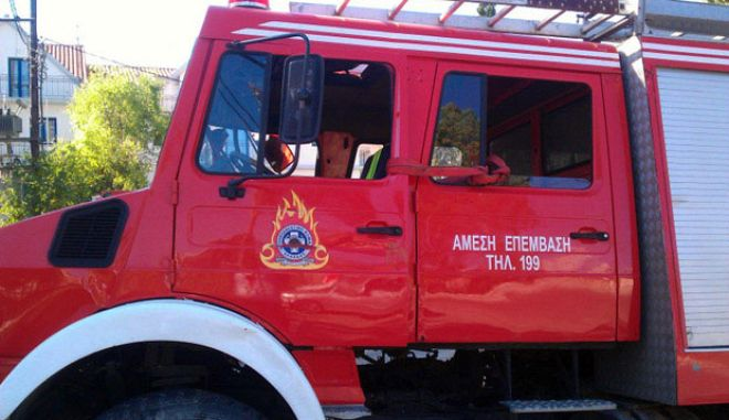 Φωτιά σε εργοστάσιο στρωμάτων στο Ηράκλειο