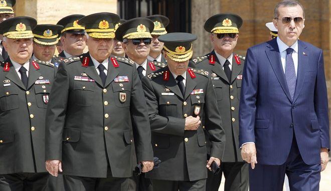 Παραιτήθηκαν δυο σημαντικοί στρατηγοί του τουρκικού Στρατού Ξηράς