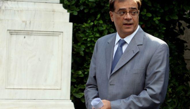 Ο Υπουργός οικονομικών Γκίκας Χαρδούβελης στο Μέγαρο Μαξίμου για την συνάντηση του Πρωθυπουργού με τον Πορτογάλο Πρωθυπουργό Κοέλο,Τρίτη 9 Σεπτεμβρίου 2014 (EUROKINISSI/ΤΑΤΙΑΝΑ ΜΠΟΛΑΡΗ)