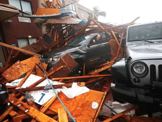 Τυφώνας Μάικλ: Εξαφάνισε μια ολόκληρη πόλη - Συγκλονιστικό βίντεο πριν και μετά