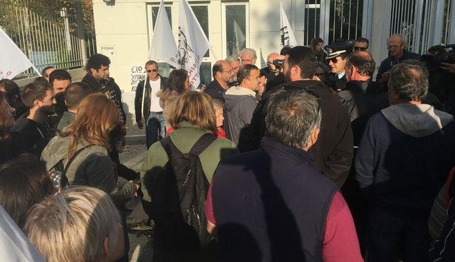 """""""Βγάλτε έξω την καθαρίστρια"""": Το συνδικάτο ΟΤΑ έξω από το υπουργείο Δικαιοσύνης"""