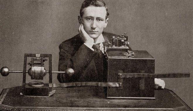 Ήξερες ότι ο Τέσλα ήταν ο πραγματικός πατέρας του ραδιοφώνου;