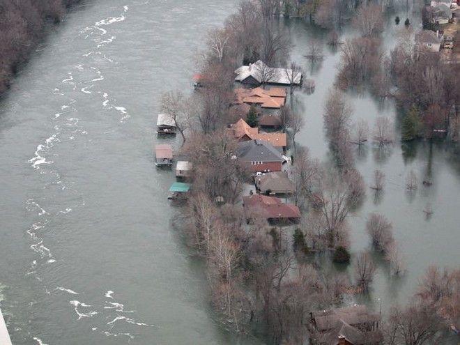 Πλημμύρες 'ιστορικών διαστάσεων' στις ΗΠΑ. Στους 49 οι νεκροί