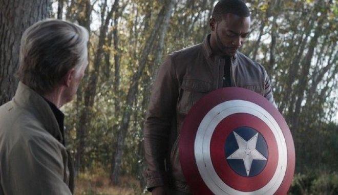 Έρχεται ταινία Captain America 4: Στο επίκεντρο ο Falcon που πλέον φέρει την ασπίδα