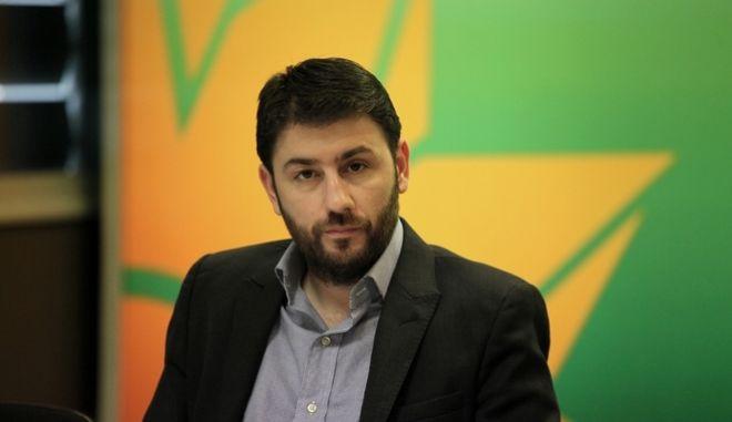 Ανδρουλάκης: Με κανένα κόμμα εντός δημοκρατικού τόξου, δεν μας χωρίζει άβυσσος