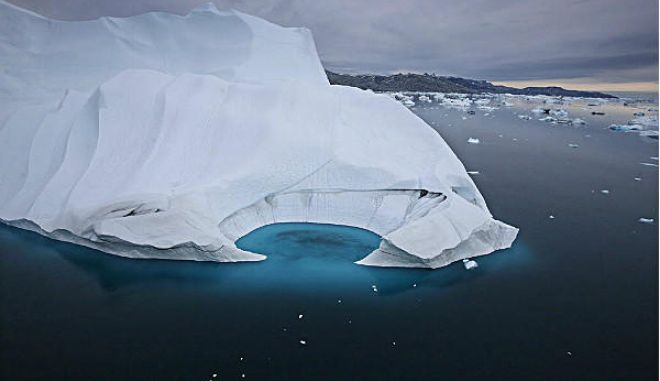 Αποκολλήθηκε παγόβουνο - γίγας στην Γροιλανδία