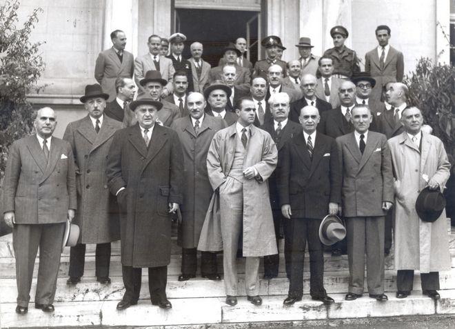 Ο Κωνσταντίνος Καραμανλής υπουργός Μεταφορών στην κυβέρνηση Θεμιστοκλή Σοφούλη το 1948