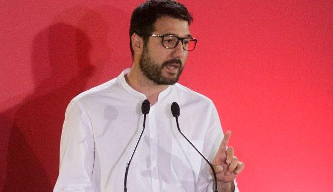 Ηλιόπουλος: Η συγκάλυψη δεν μαζεύεται με μια fake φωτογραφία