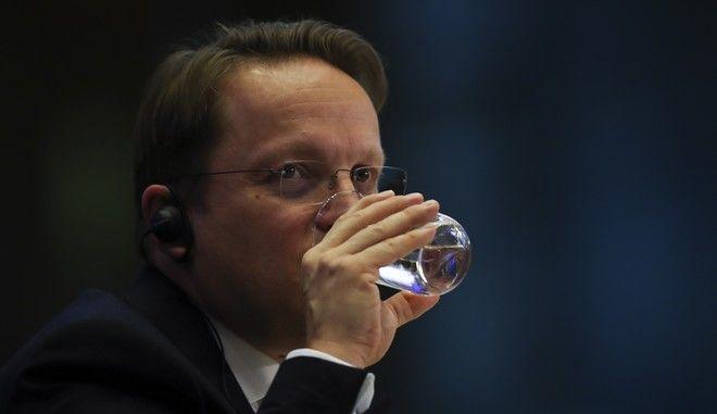 Ο επίτροπος για τη Διεύρυνση της ΕΕ, Όλιβερ Βαρχέι