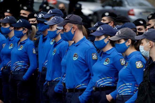 Κράτος με στολή (και καταστολή): Οι 5 + 1