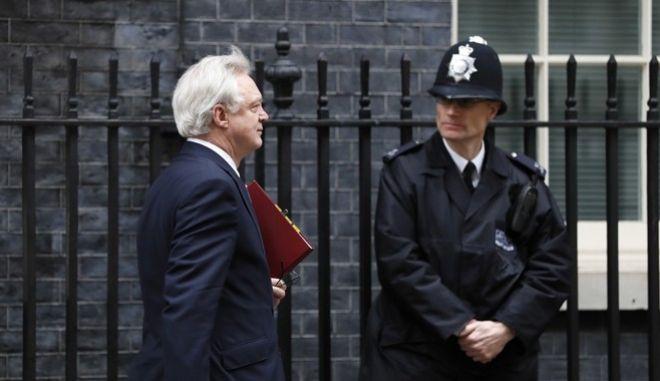 Βρετανία: Δεν θα πληρώσουμε τα 100 δισ. ευρώ για το διαζύγιο με την ΕΕ