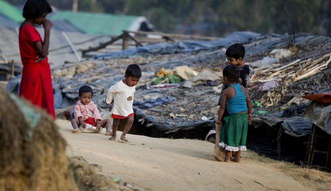 Παιδιά Ροχίνγκια σε κέντρο υποδοχής στο Μπαγκλαντές