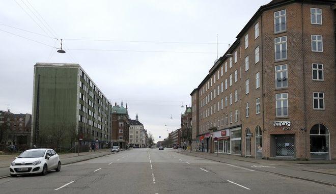 Άδειοι δρόμοι στη Δανία