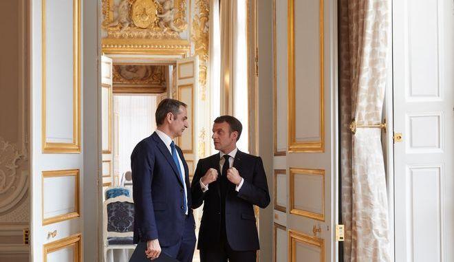Kυριάκος Μητσοτάκης και Εμανουέλ Μακρόν στο Παρίσι τον Ιανουάριο του 2020