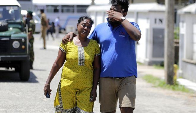 Στιγμιότυπο μετά τις βομβιστικές επιθέσεις στη Σρι Λάνκα