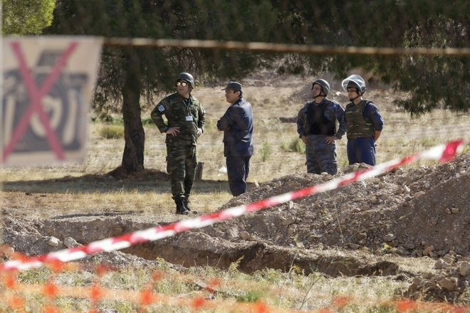 Ελεγχόμενη έκρηξη βλήματος του Β' Παγκοσμίου Πολέμου στη Γλυφάδα Δευτέρα 6 Νοεμβρίου 2017 (EUROKINISSI//Γιάννης Παναγόπουλος)