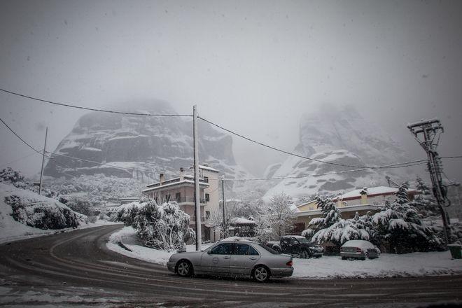 Χιονόπτωση στην περιοχή της Καλαμπάκας