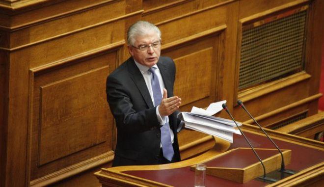 Συζήτηση επίκαιρων ερωτήσεων στην Βουλή την Παρασκευή 19 Οκτωβρίου 2012// Ο ΥΠΟΥΡΓΟΣ ΥΓΕΙΑΣ ΑΝΔΡΕΑΣ ΛΥΚΟΥΡΕΝΤΖΟΣ (EUROKINISSI/ΓΙΩΡΓΟΣ ΚΟΝΤΑΡΙΝΗΣ)