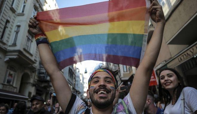 Φωτογραφία από διαδήλωση της LGBTQI+ κοινότητας στην Τουρκία