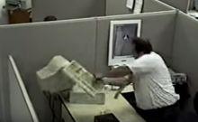 Η αλήθεια πίσω από το πρώτο viral βίντεο των '90s