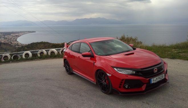 Στους ελληνικούς δρόμους με το Honda Civic Type R
