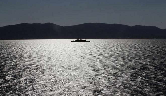 Η φρεγάτα του ελληνικού Πολεμικού Ναυτικού Σπέτσες σε περιπολία στο Αιγαίο