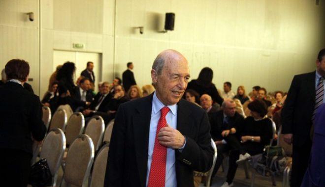 Στιγμιότυπο από την εκδήλωση του Ομίλου Προβληματισμού για τον Εκσυγχρονισμό της Κοινωνίας μας (ΟΠΕΚ), για τον πεζογράφο και πολιτικό Νίκο Θέμελη, Τρίτη 27 Μαρτίου 2012. Στην εκδήλωση μίλησαν ο Βασίλης Βουτσάκης, καθηγητής Νομικής Σχολής Πανεπιστημίου Αθηνών, η Ελισάβετ Κοτζιά, κριτικός λογοτεχνίας, ο Νίκος Χριστοδουλάκης, πρώην υπουργός, ενώ την συζήτηση συντόνισε ο Σωκράτης Κοσμίδης, πρώην Γενικός Γραμματέας της Κυβέρνησης. (EUROKINISSI // ΓΙΩΡΓΟΣ ΚΟΝΤΑΡΙΝΗΣ)