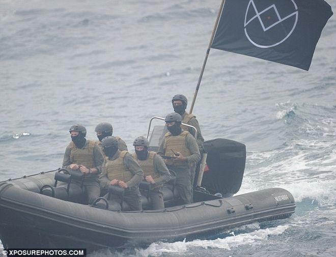 Πανικό προκάλεσαν 'στρατιωτικοί' που γύριζαν διαφήμιση στην Κυανή Ακτή