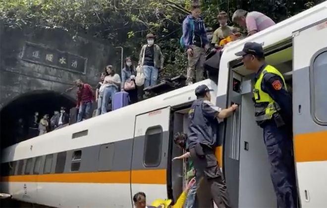 Σιδηροδρομικό δυστύχημα στην Ταιβάν.