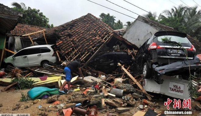 Ινδονησία: Το ολέθριο σφάλμα για το φονικό τσουνάμι - Άγνωστος αριθμός αγνοούμενων