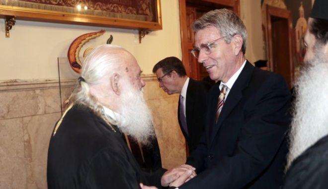 Στιγμιότυπο από την επίσκεψη στην Αρχιεπισκοπή