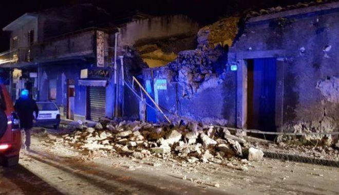 Σεισμός 4,8 Ρίχτερ στη Σικελία: Τραυματισμοί και καταρρεύσεις κτηρίων