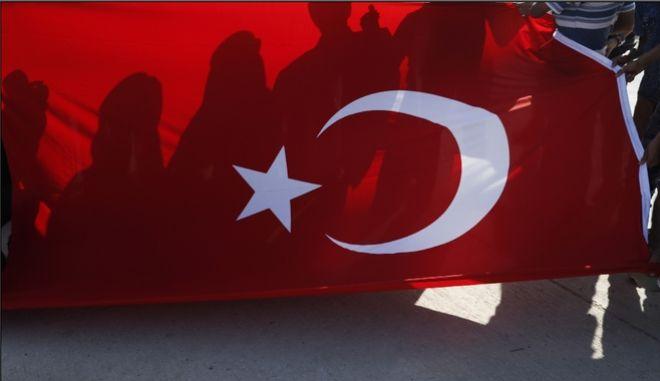 """Τουρκία: """"Οι Έλληνες δεν μπορούν να ξεχάσουν ότι τους ρίξαμε στο Αιγαίο"""" - """"Εκτίθεστε"""" απαντά το ΥΠΕΞ"""