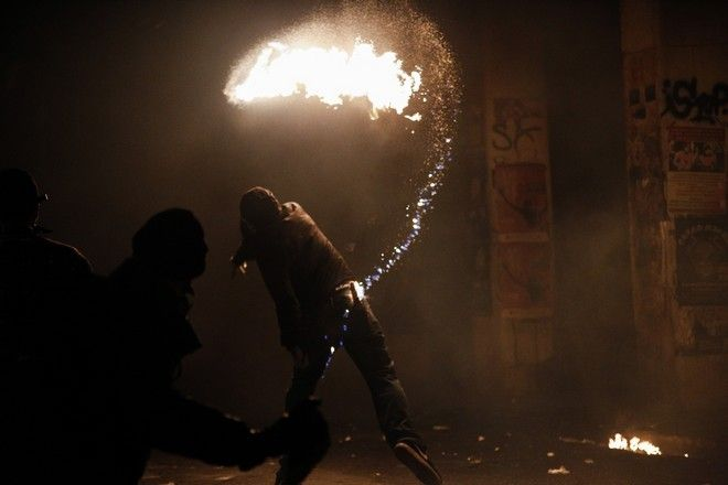 Clashes after the Polytechnic anniversary rally, in Athens, on Nov. 17, 2017 /      ,  ,  17 , 2017