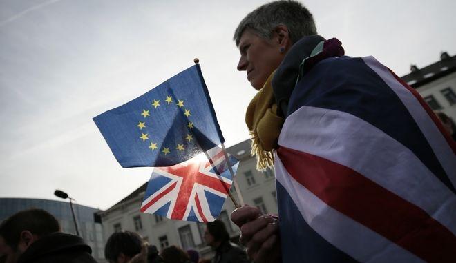 Ο υποστηρικτής της ΕΕ, Izzy Knowles, την Πέμπτη 30 Ιανουαρίου 2020