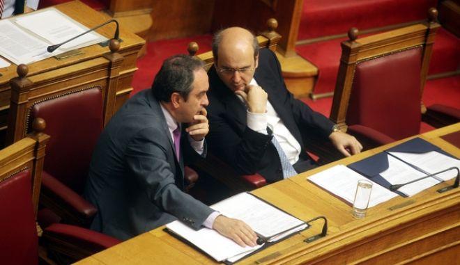 Συζήτηση στην Ολομέλεια της Βουλής του νομοσχέδιου του υπουργείου Ανάπτυξης με το οποίο επιτρέπεται η λειτουργία των καταστημάτων τις Κυριακές την Τρίτη 23 Ιουλίου 2013. (EUROKINISSI)