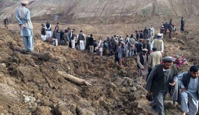 Φόβοι για 2.500 νεκρούς στο Αφγανιστάν από κατολίσθηση