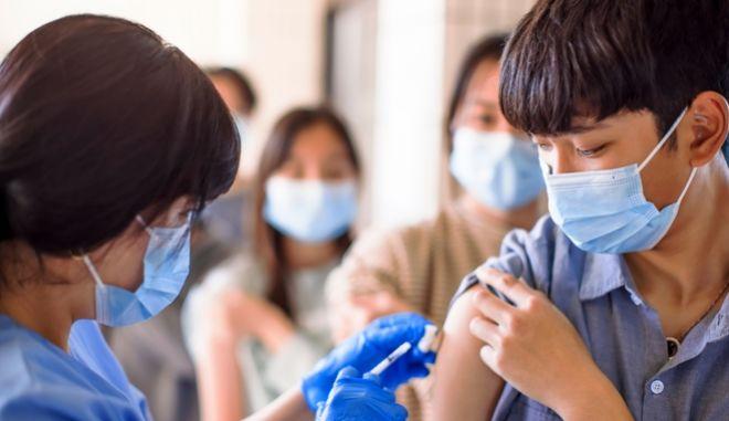 Κίνα: Το 91% των μαθητών ηλικίας 12 έως 17 είναι εμβολιασμένο κατά του κορονοϊού