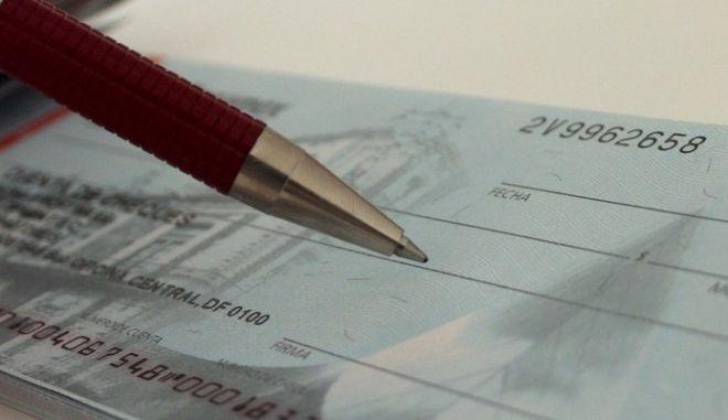 Μεγαλέμποροι με πλαστές επιταγές στη Βοιωτία