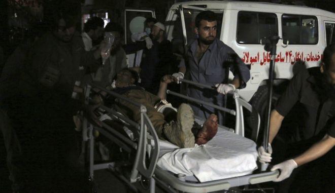 Εκατοντάδες οι τραυματίες.