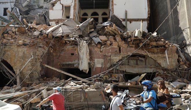 Εικόνες καταστροφής μετά τις εκρήξεις στη Βηρυτό