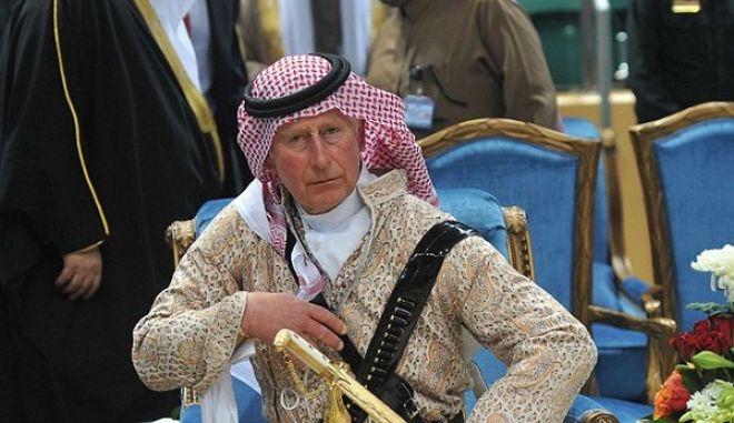 Τύφλα να'χει ο Λόρενς της Αραβίας: Ο πρίγκιπας Κάρολος και ο χορός του σπαθιού