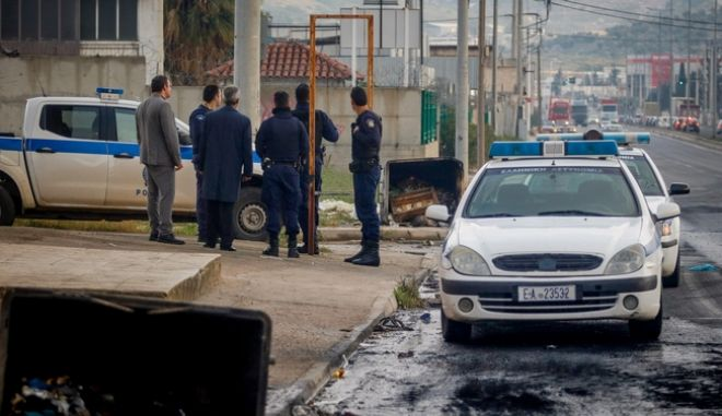 Αστυνομικοί στη Λ. Νάτο στον Ασπρόπυργο - Φωτογραφία αρχείου