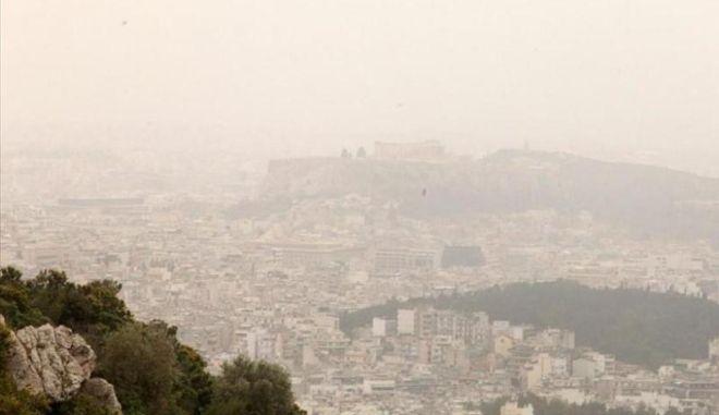 """Αφρικανική σκόνη μέχρι τη Γροιλανδία: Θα """"πνίξει"""" τη χώρα όλη τη Μεγάλη Εβδομάδα"""